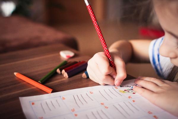 Ar roku rakstām maz. Kā šādas pārmaiņas ietekmē cilvēka domāšanas procesus